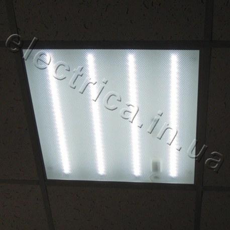 Светодиодная универсальная панель 40 W в потолке армстронг